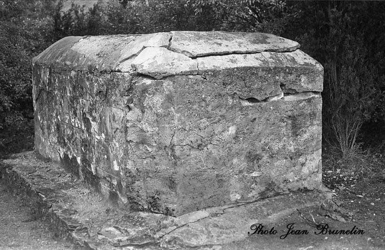 tombstones on ekg. unveiling of tombstones